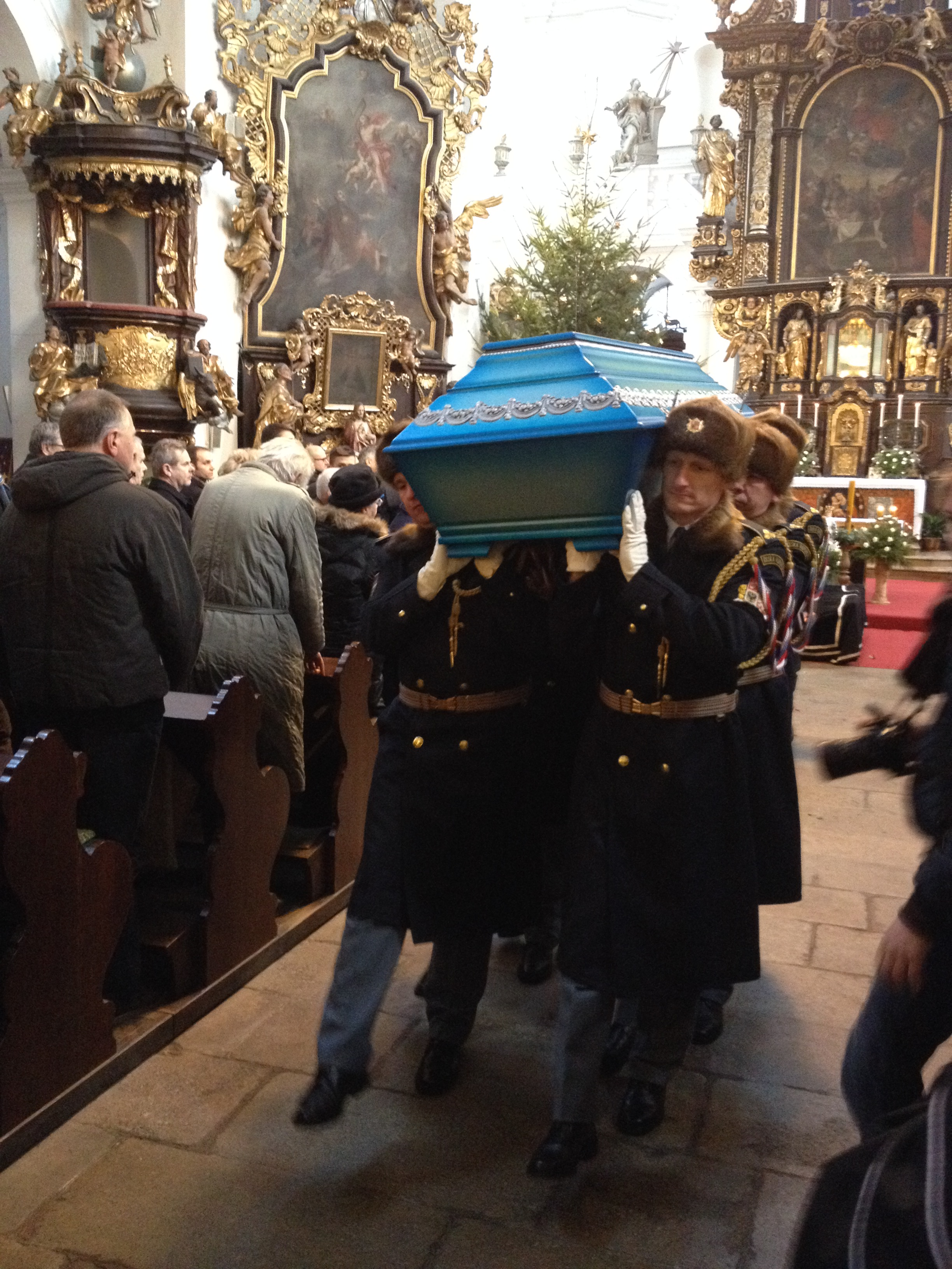 Poslední rozloučení s Imrichem Gablechem v kostele Nanebevzetí Panny Marie v Havlíčkově Brodě